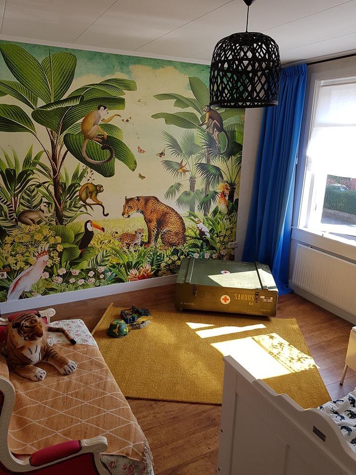 Werkaandemuur Kinderkamer Klantfoto Jungle Met Luipaard Apen Toekan En Tropische Vogels Van Studio Poppy 447322 Copy