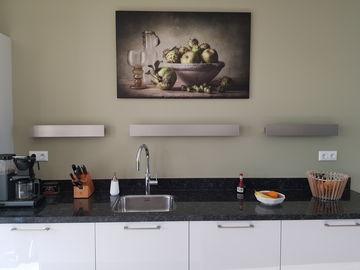Stilleven geprint op aluminium dibond in de keuken
