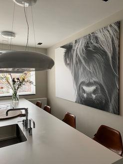 Zwart witte foto print van Schotse Hooglander