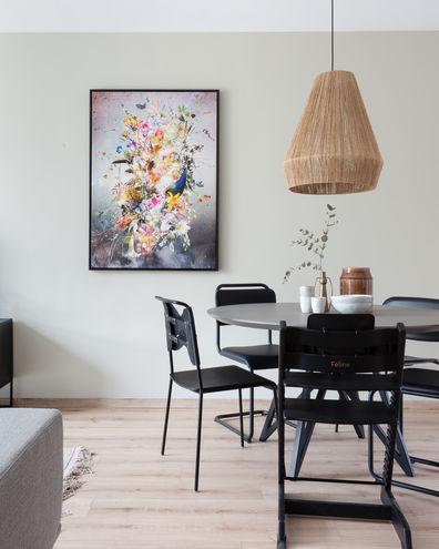 Kunstwerk van Jesper Krijgsman the Beacon gezien bij Weer verliefd van je Huis van vtwonen met baklijst