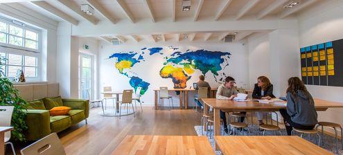 Wereldkaarten Behang aquarel kantoor Werk aan de Muur