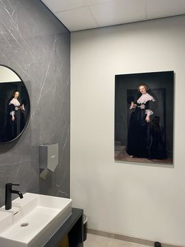 Oude Meester toilet op acrylglas Werk aan de Muur Upstairs