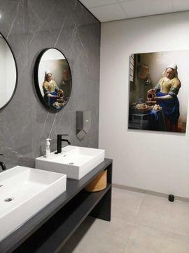 Melkmeisje toilet acrylglas Oude Meester Werk aan de Muur Upstairs