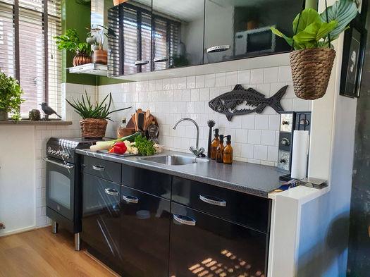 Interieur kleine keuken Werk aan de Muur