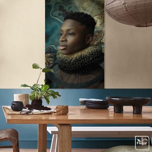Flexa Werkaandemuur 654484 Nigeriaanse Jongen Met Gouden Molensteenkraag Reiny Bourgonje Fotografie