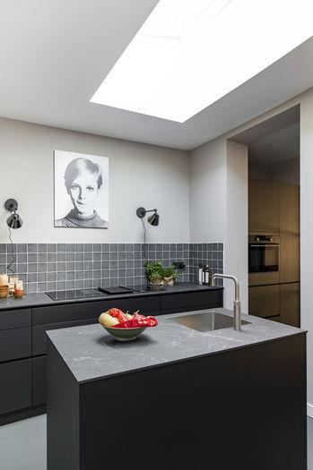 Model twiggy kunstwerk Werk aan de Muur weer verliefd op je huis vtwonen
