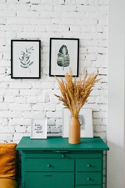 Tip 1. Botanische posters: haal planten in huis!